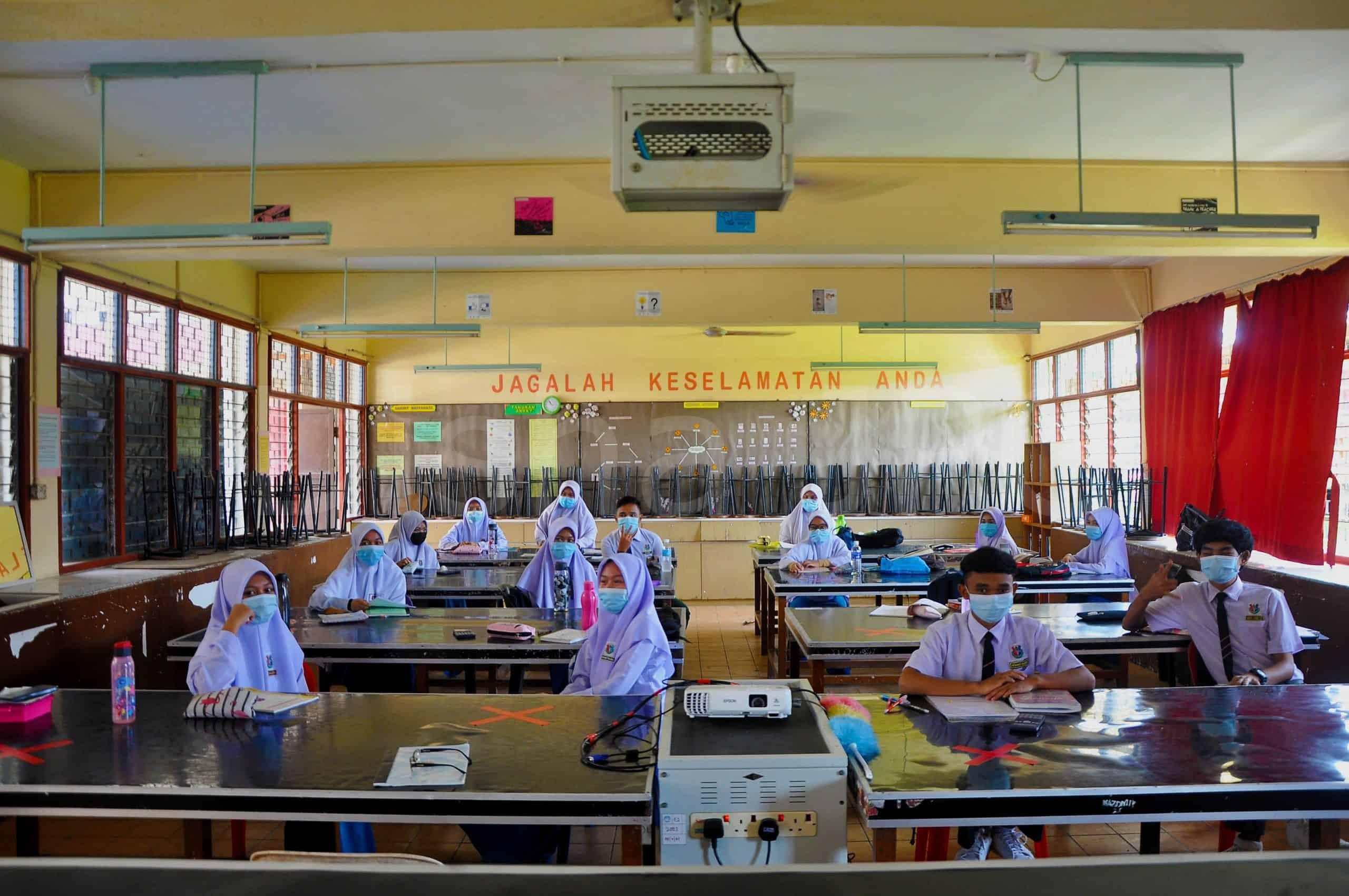 Sesi pembukaan sekolah SMK Merotai Besar Tawau – Disha Jalani